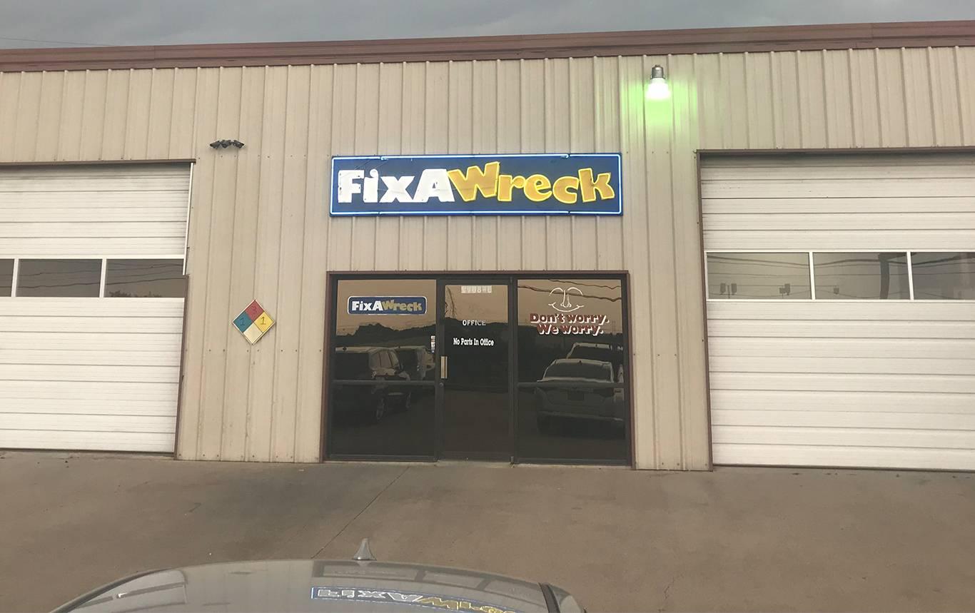 Fix a wreck collision center banner